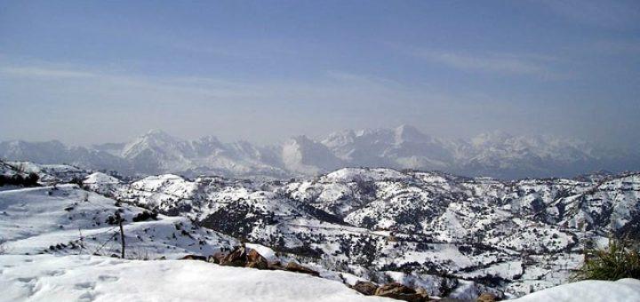Hiver enneigé sur les montagnes kabyles